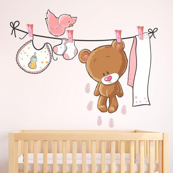 Stickers pour enfants: Ours sur la corde à linge rose