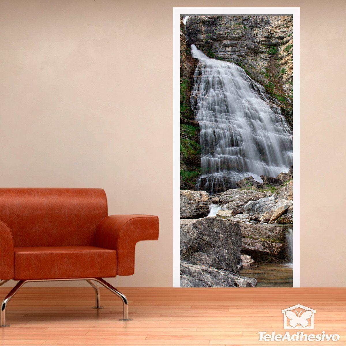 chute d 39 eau et de pierres. Black Bedroom Furniture Sets. Home Design Ideas