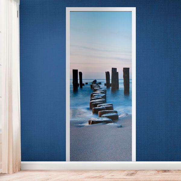 porte pont de bois sur la plage. Black Bedroom Furniture Sets. Home Design Ideas